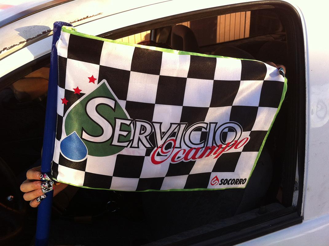 Bandera de tela con vinil textil impreso.